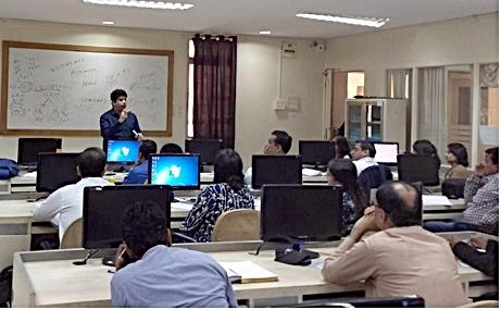 SPSS Workshop by Dr  RoshanKazi  - Dwarka Parichay